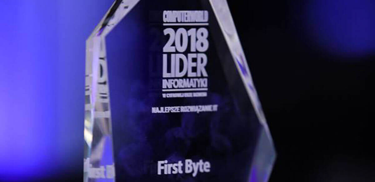 Wizlink secures Lider Informatyki 2018 award for the best IT solution in banking and finance.